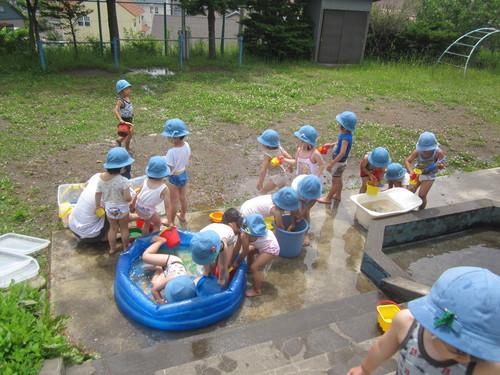 水遊び.JPGのサムネール画像